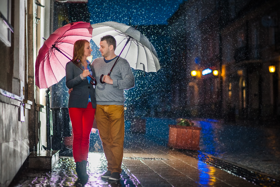 ewelina i jarek sesja fotograficzna 23 of 31 - Singing in the rain - Eveline and Jarek engagement shoot / wedding photographers