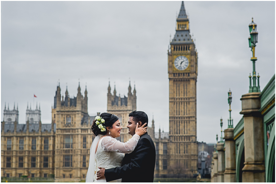 Documentary Wedding Photographer Guide