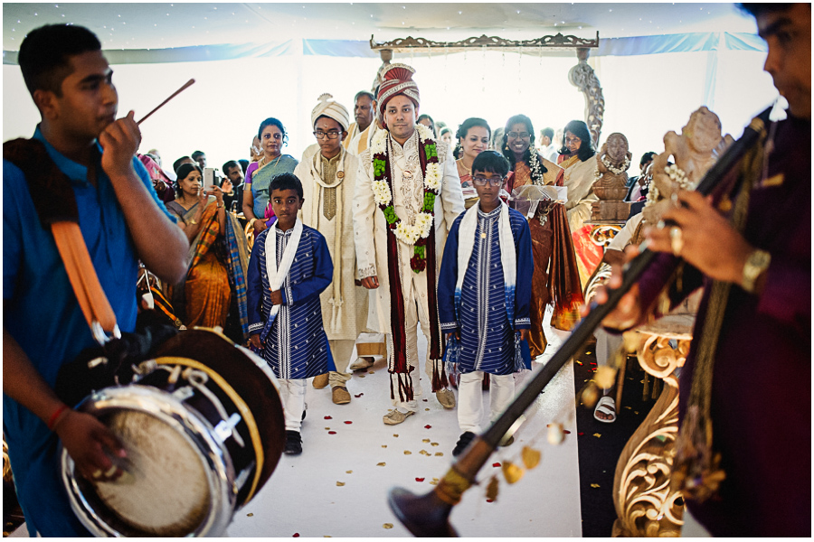 401 - Tharsen and Kathirca - Traditional Hindu Wedding Photographer