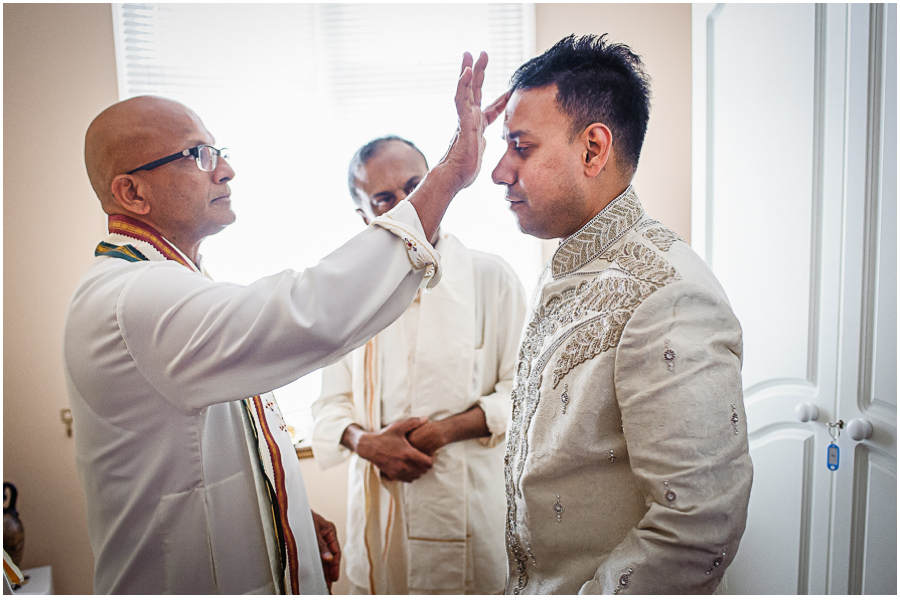 9 - Tharsen and Kathirca - Traditional Hindu Wedding Photographer