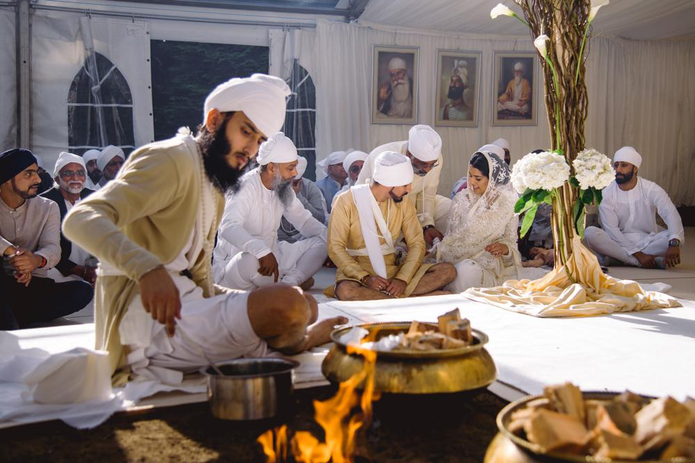 sikh wedding photography the holy fire