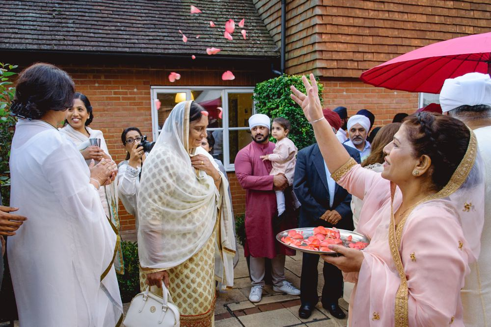 sikh wedding photography welcoming