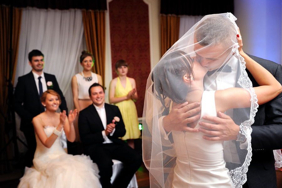 wedding photographer staines411 - Alexandra and Gregory - photographer for wedding