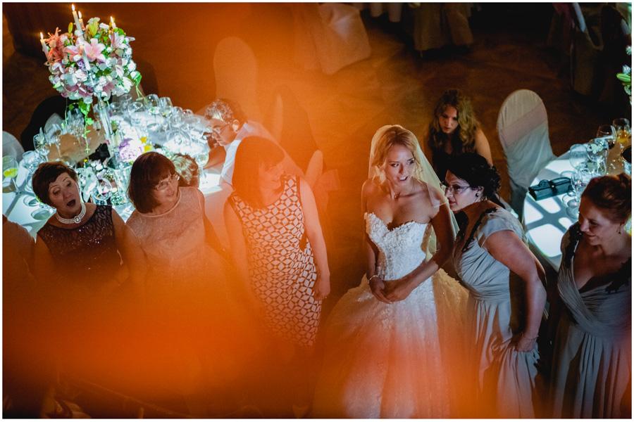 128 - Alexandra and Thomas - stunning wedding