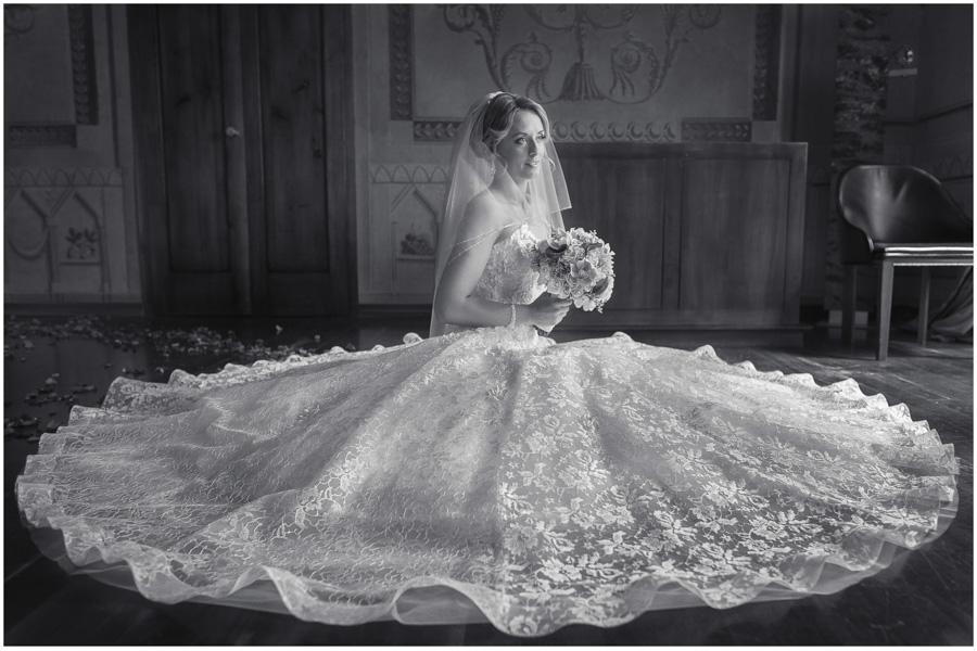 311 - Alexandra and Thomas - stunning wedding