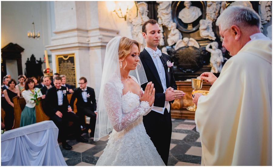 591 - Alexandra and Thomas - stunning wedding