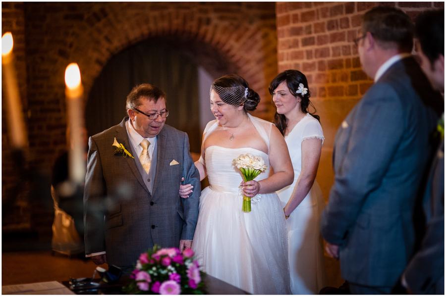 wedding photographer surrey854 - Becky and Steve - wedding photographer Hounslow