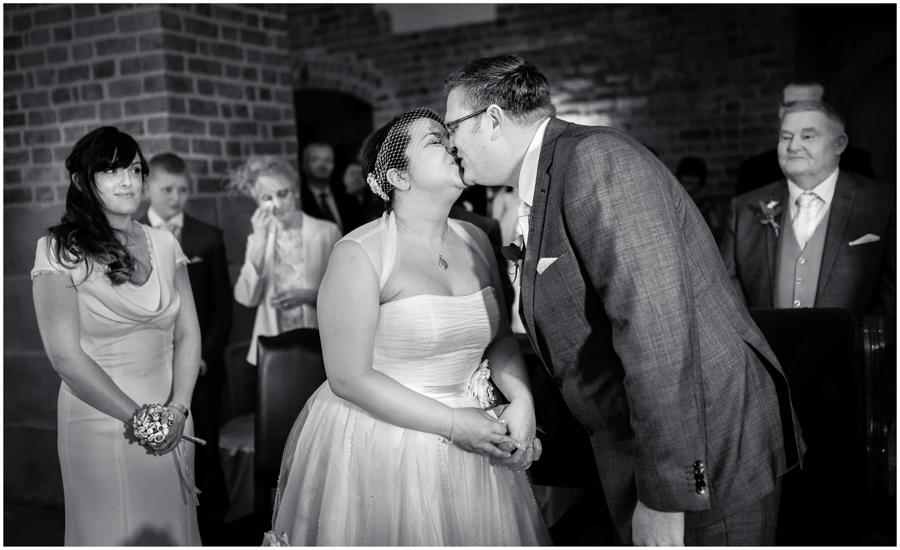wedding photographer surrey862 - Becky and Steve - wedding photographer Hounslow