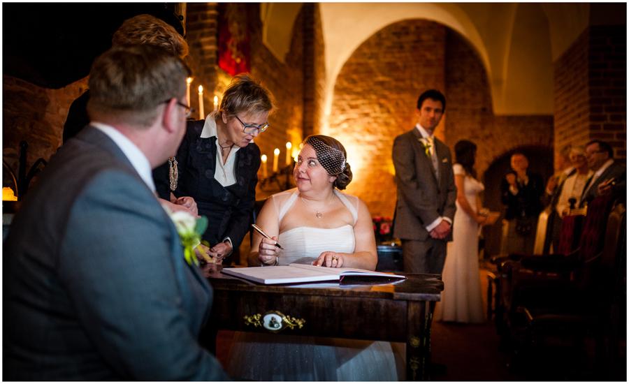 wedding photographer surrey864 - Becky and Steve - wedding photographer Hounslow