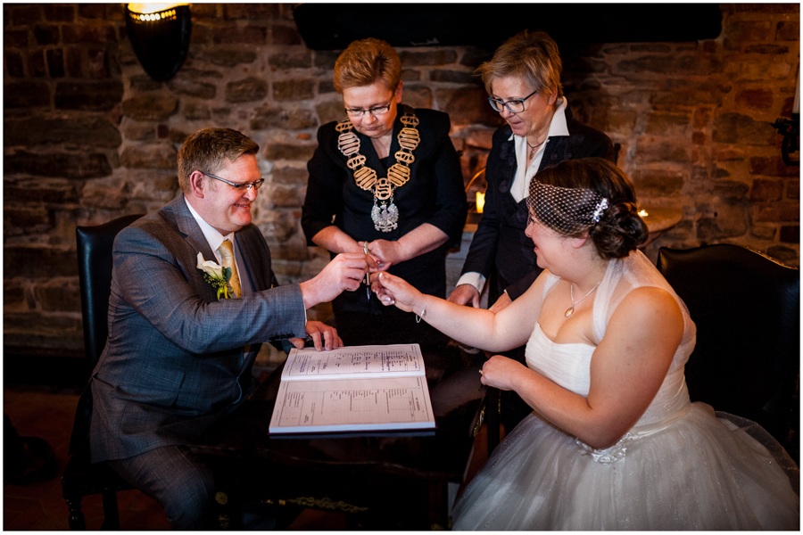 wedding photographer surrey865 - Becky and Steve - wedding photographer Hounslow