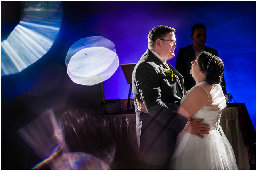 wedding photographer surrey883 - Becky and Steve - wedding photographer Hounslow