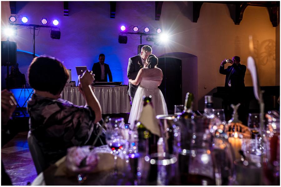 wedding photographer surrey885 - Becky and Steve - wedding photographer Hounslow