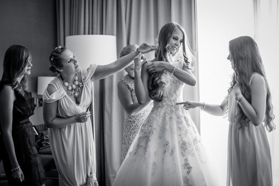 D7B0621 900x599 - Part 2: Bride Preparations - Tips from Photographer London