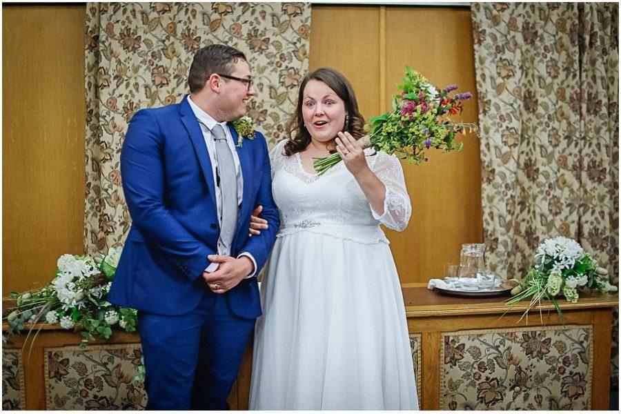 232 900x600 2 900x600 - Manor Gatehouse Dartford wedding Laura&Mike