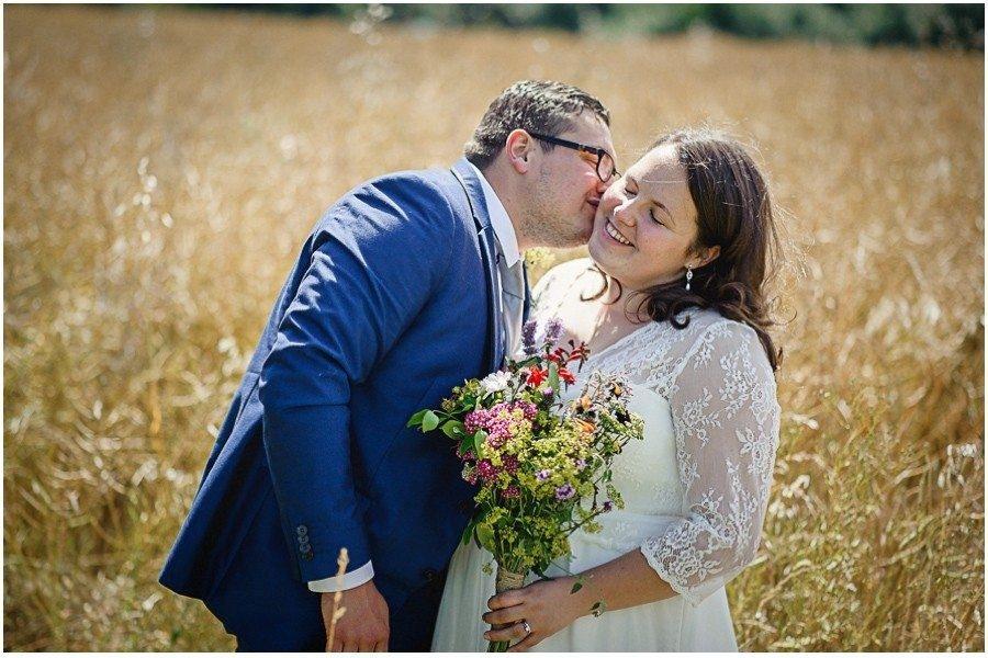 362 900x600 900x600 - Manor Gatehouse Dartford wedding Laura&Mike
