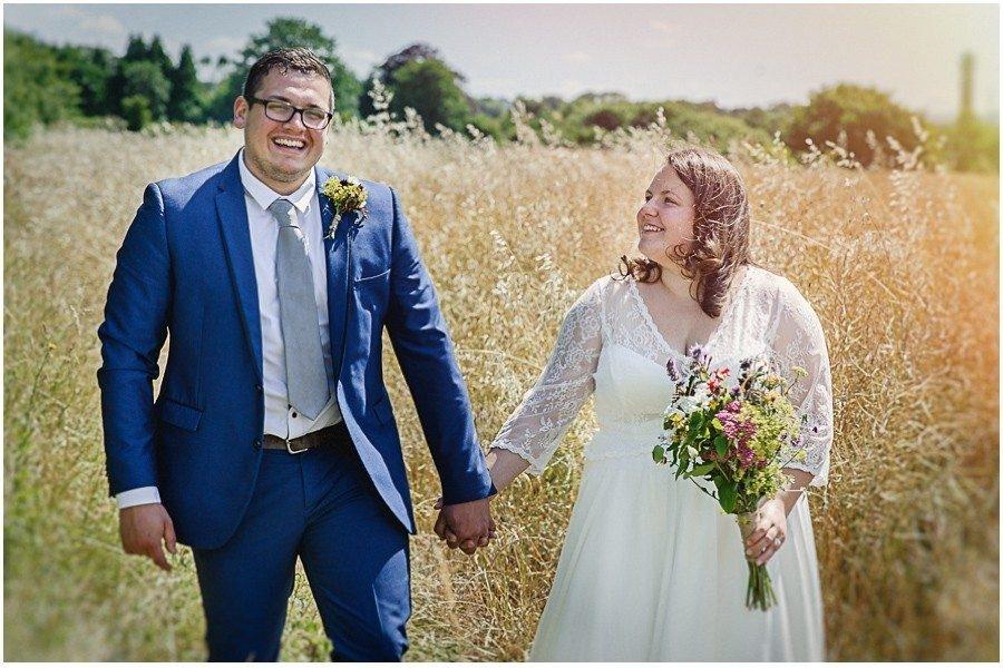372 900x600 900x600 - Manor Gatehouse Dartford wedding Laura&Mike