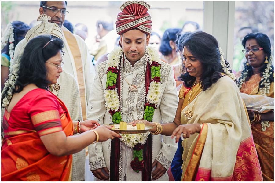 381 - Tharsen and Kathirca - Traditional Hindu Wedding Photographer