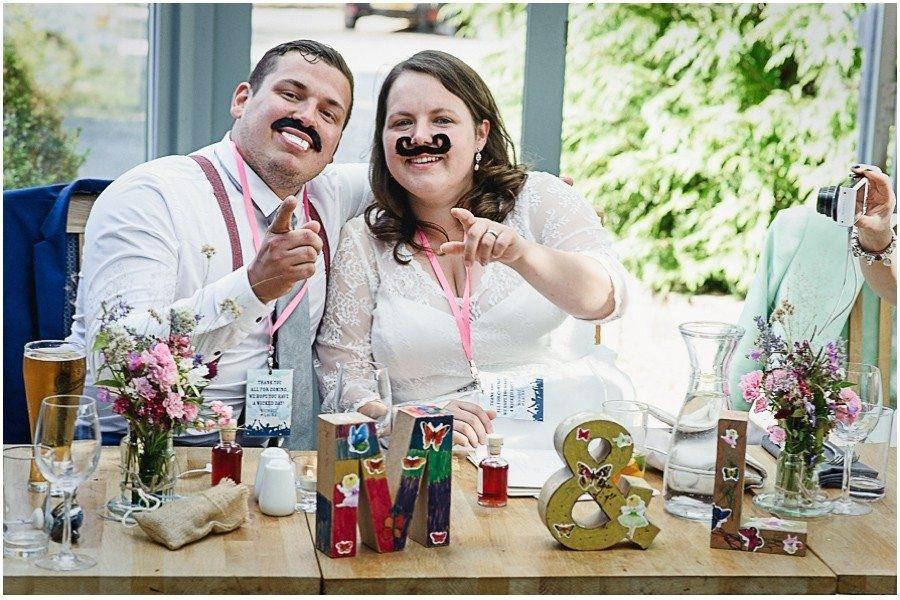 85 900x600 900x600 - Manor Gatehouse Dartford wedding Laura&Mike