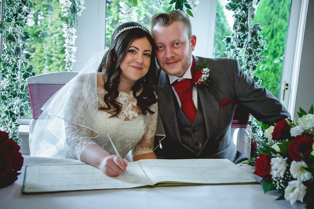 Nikki and Stuart 72 - Hartsfield Manor wedding - Wedding Photographer Sussex