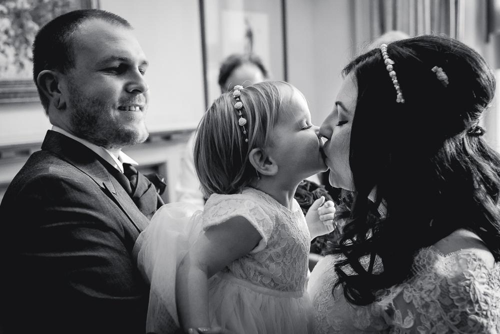 Nikki and Stuart 88 - Hartsfield Manor wedding - Wedding Photographer Sussex
