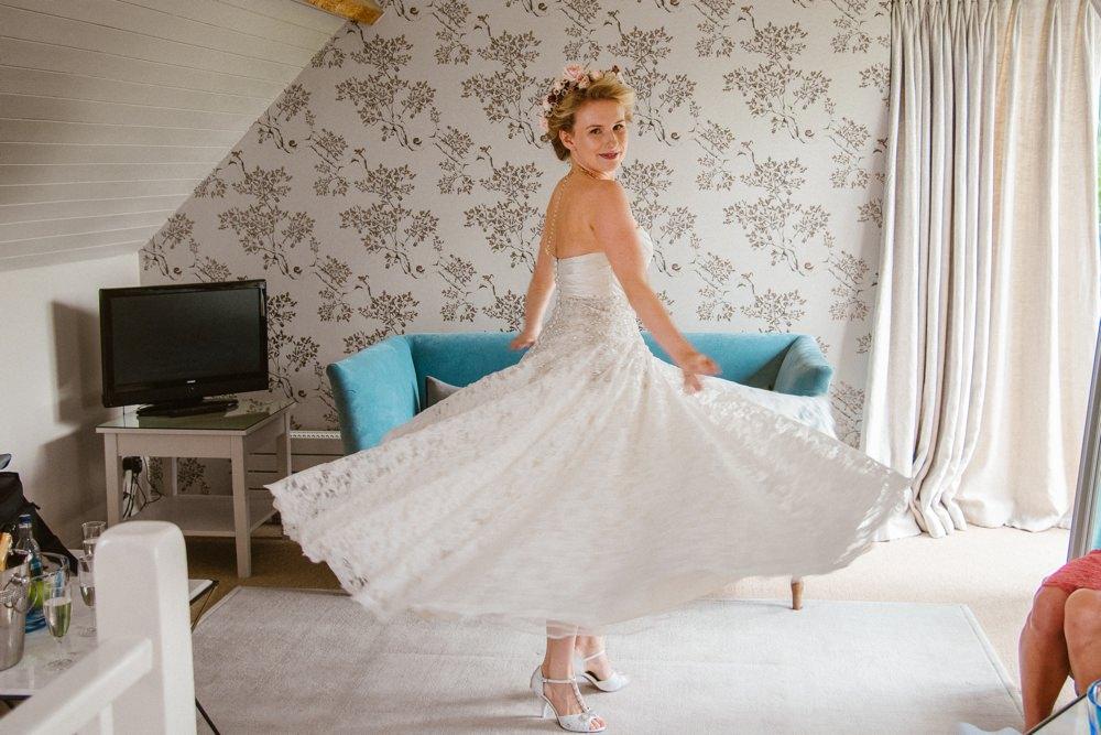 BLOG LIZA MARK 58 - South Farm Wedding Cambridgeshire Royston | Lizzie and Mark